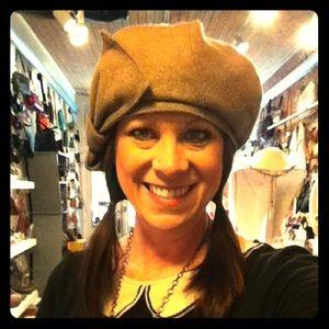 Delux Hat